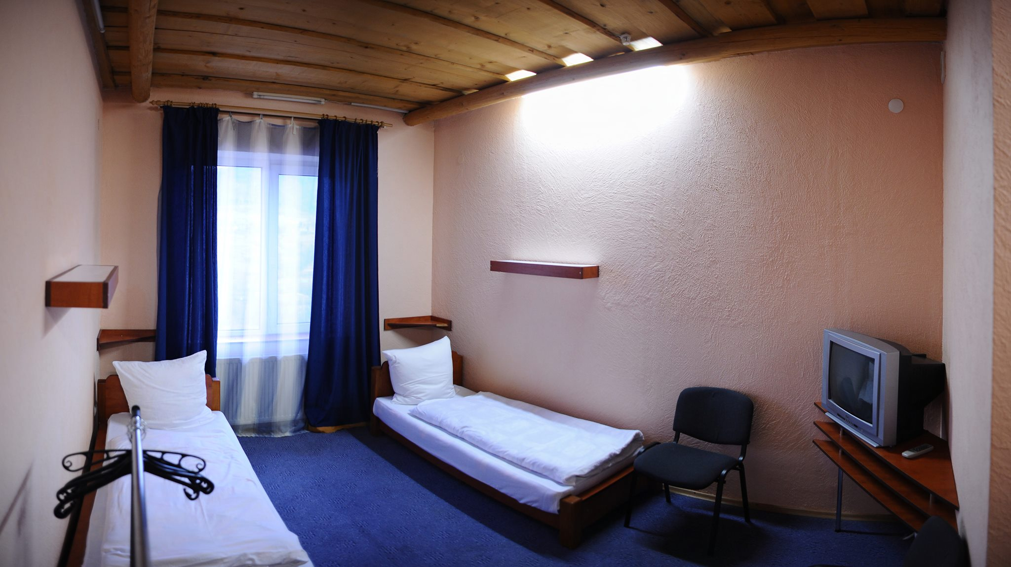 Twin Room. Room with satellite TV, WC, bathroom. Breakfast included ...